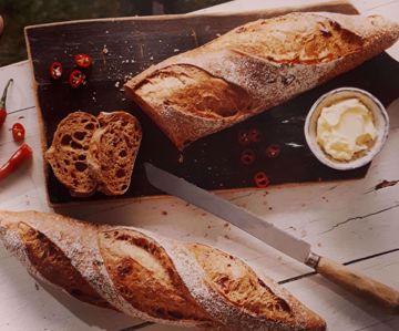 Afbeeldingen van Afbakbaquette paprika chili